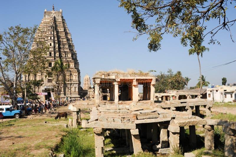 Ansicht von Shiva-Virupakshatempel bei Hampi, Indien lizenzfreie stockfotografie