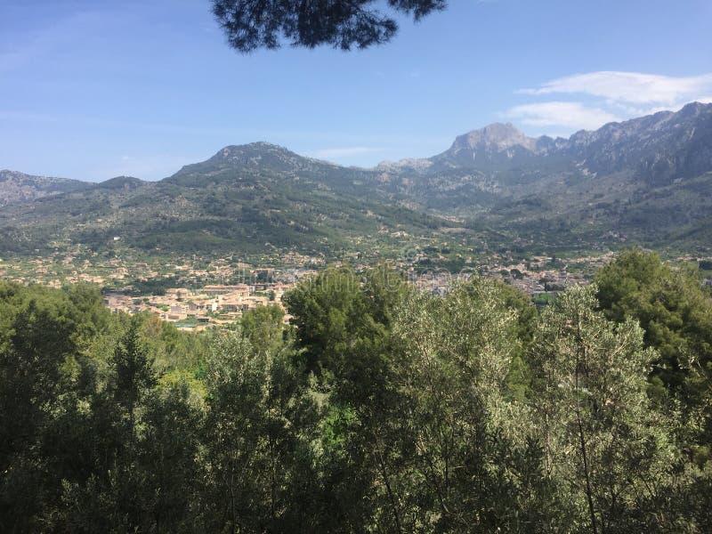Ansicht von Soller, auf der Insel von Mallorca, auf vom Hoch lizenzfreie stockbilder