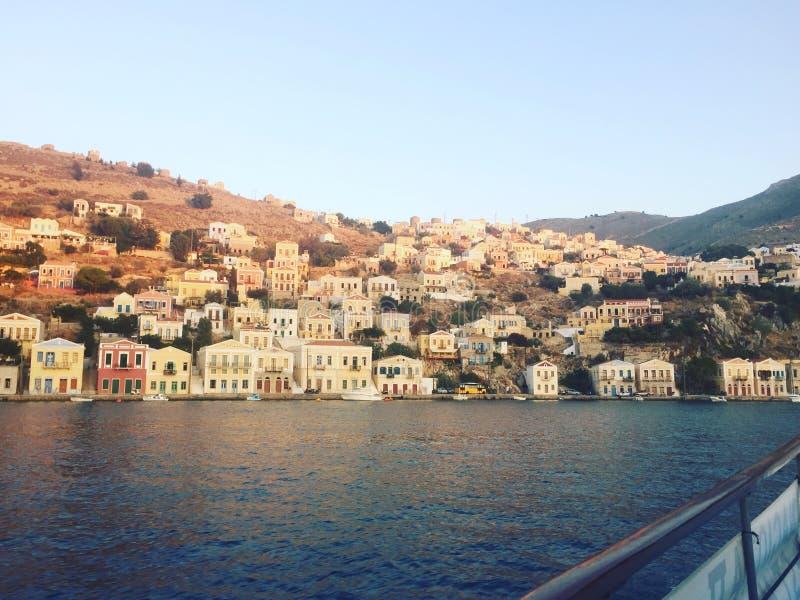 Ansicht von Symi-Bucht, Griechenland lizenzfreie stockbilder
