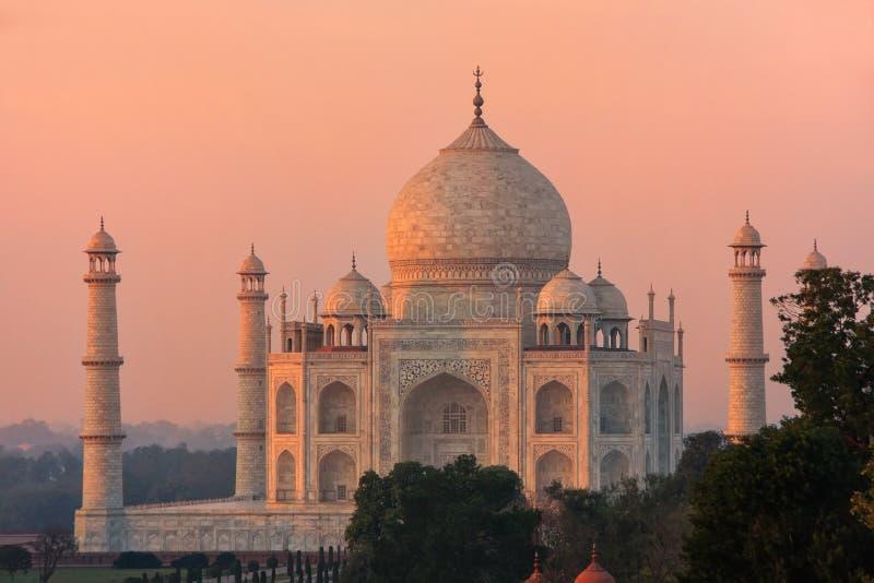 Ansicht von Taj Mahal bei Sonnenuntergang in Agra, Uttar Pradesh, Indien lizenzfreie stockbilder