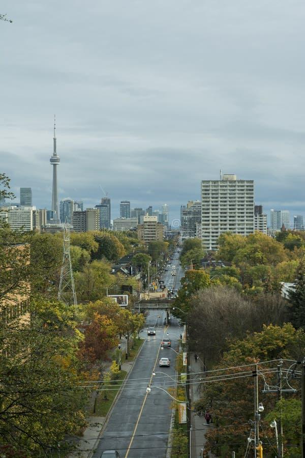 Ansicht von Toronto Spadina Rd in Richtung zum Stadtzentrum stockfotografie