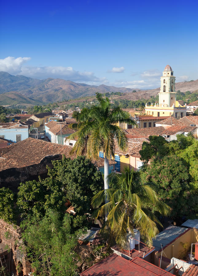 Ansicht von Trinidad mit Lucha Kontra Bandidos, Kuba lizenzfreies stockbild