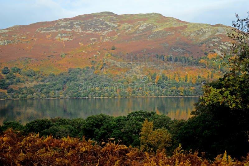 Ansicht von Ullswater im Herbst stockfotografie