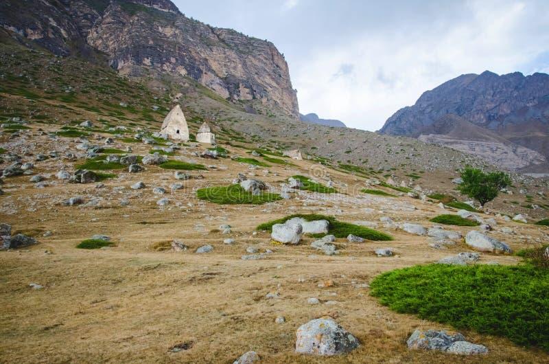 Ansicht von unten über die Gräber von EL Tyubyu lizenzfreies stockbild