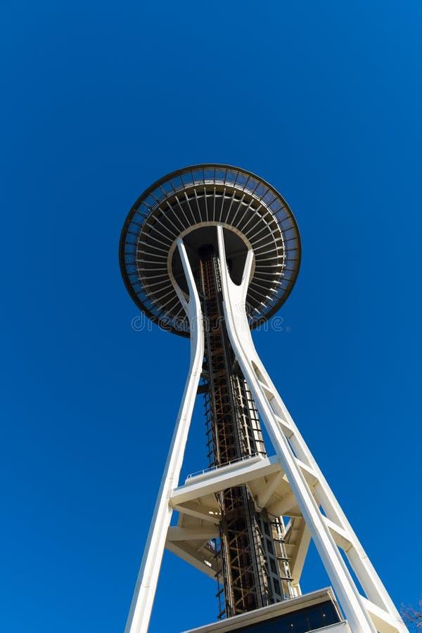 Ansicht von unten der Seattle-Raum-Nadel stockfotografie