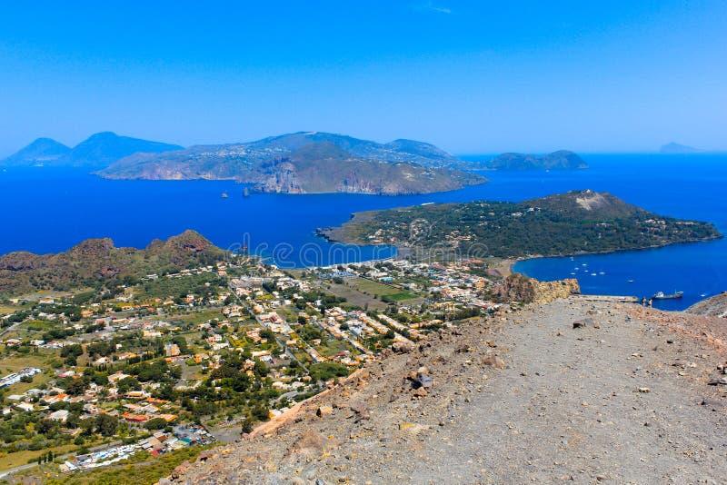 Ansicht von Vulcano in äolischen Inseln lizenzfreies stockbild