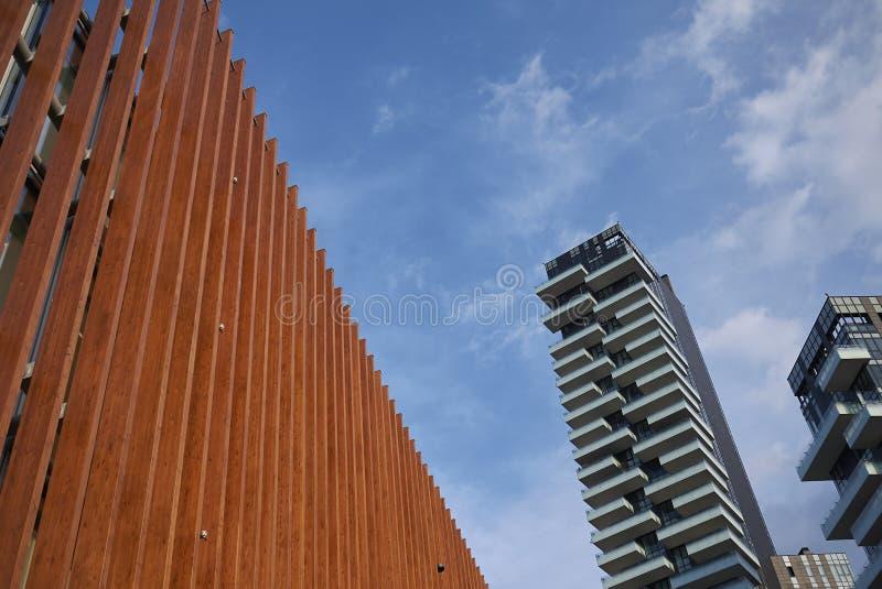 Ansicht von Wolkenkratzern Porta Nuova stockfotos