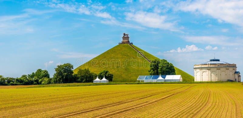 Ansicht am Watrloo-Hügel mit Erinnerungskampf opf Waterloo in Belgien lizenzfreies stockfoto