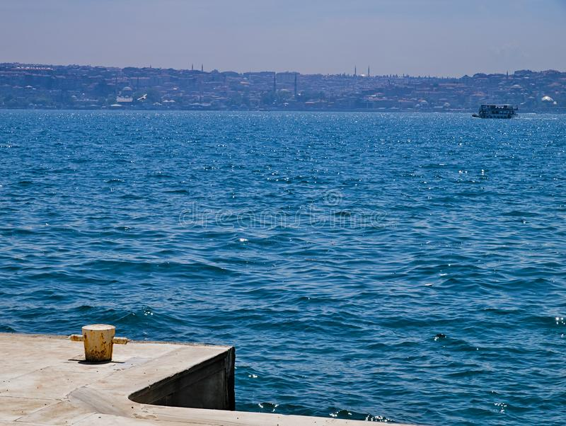 Ansicht zu Bosporus-Stra?e lizenzfreie stockbilder