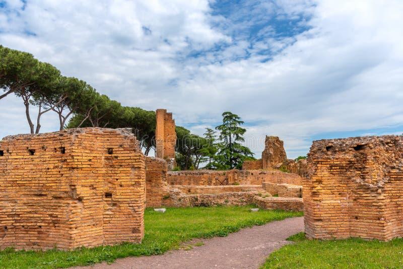 Ansicht zu den alten Ruinen auf Palatine-Hügel, Rom, Italien lizenzfreie stockbilder