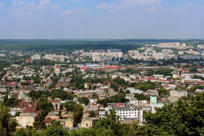 Ansicht zu den Hausdächern in Lvov-Stadt stockfotos
