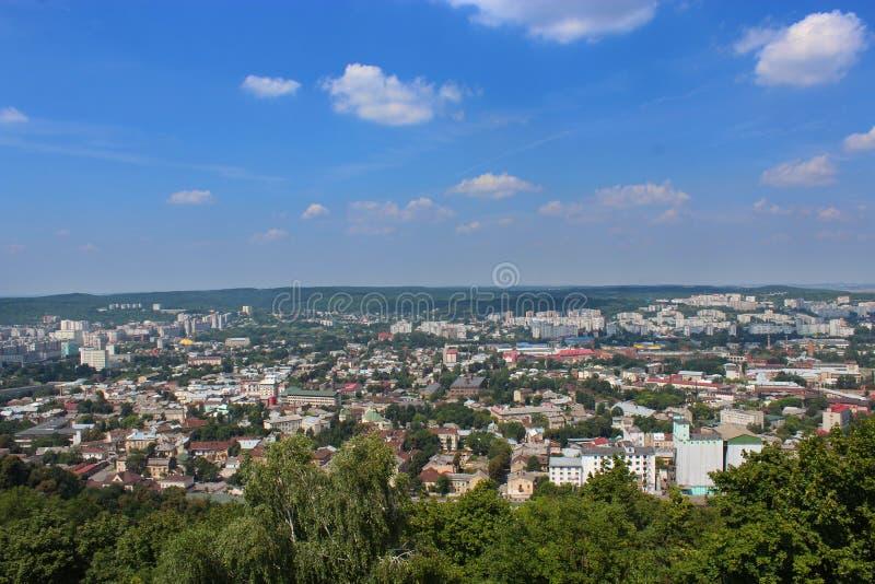 Ansicht zu den Hausdächern in Lvov-Stadt stockbilder