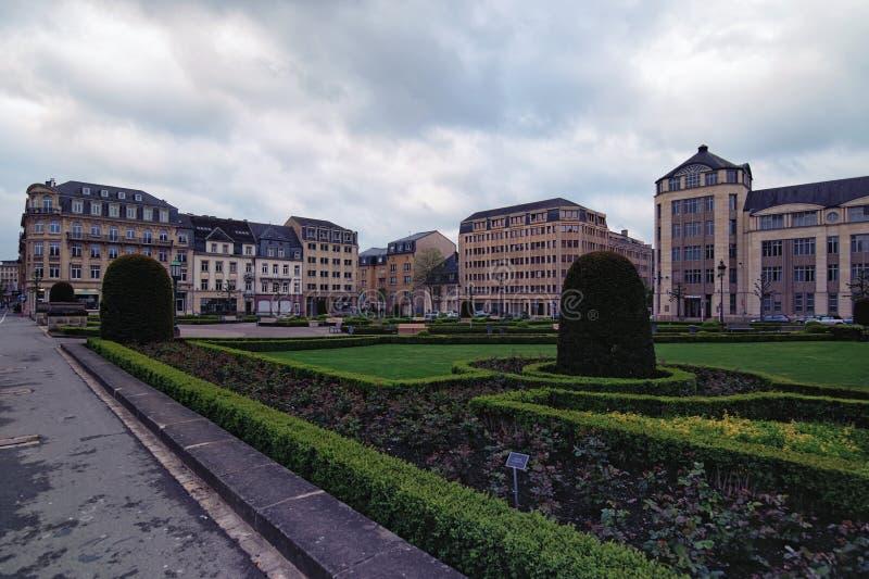 Ansicht zu den Platz-DES-Märtyrern Es ist ein Gartenquadrat in Luxemburg-Stadt lizenzfreies stockfoto