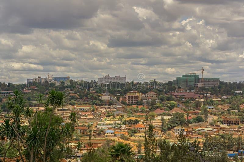 Ansicht zu einem Teil von Kigali in Ruanda lizenzfreies stockbild