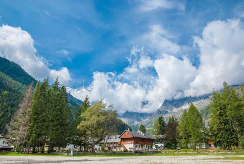 Ansicht zu Macugnaga, Italien 2 lizenzfreie stockbilder