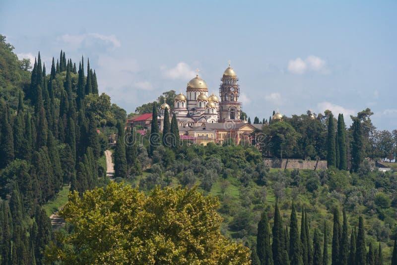 Ansicht zu neuen Athos Monastery von St Simon der Eiferer lizenzfreie stockfotografie