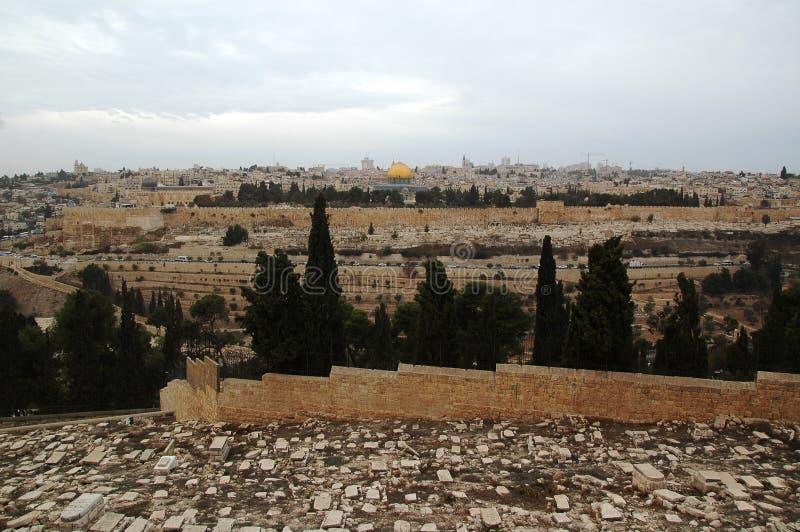 Ansicht zur alten Stadt Jerusalem und zum Felsendom, Israel lizenzfreie stockfotos
