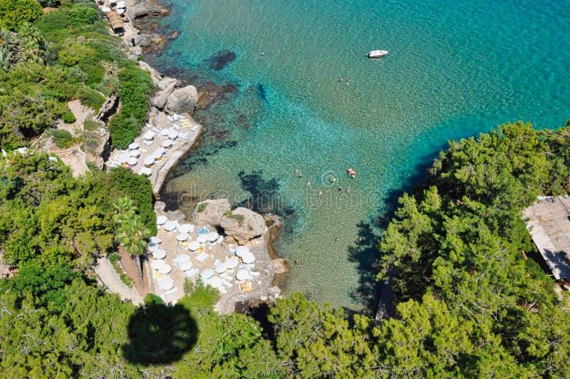 Ansicht zur Bucht auf dem Ozean stockfotografie