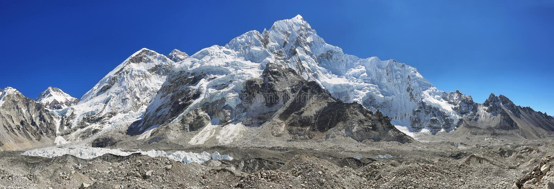 Ansichten von niedrigem Lager Everest lizenzfreie stockfotografie