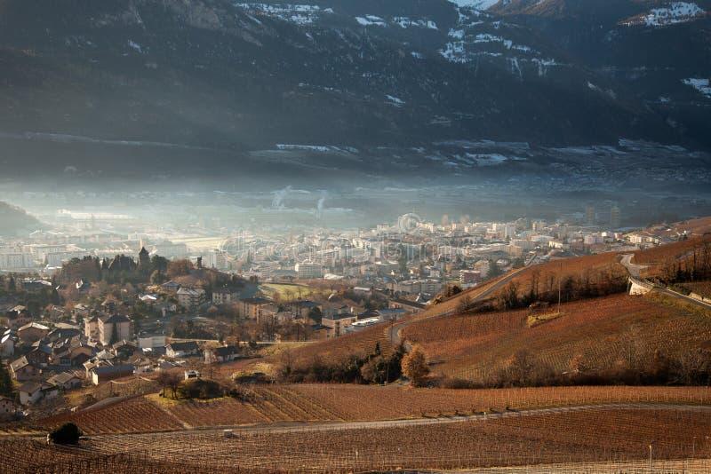 Ansichten von Sierre und die Alpen von Crans-Montana, die Schweiz lizenzfreie stockfotos