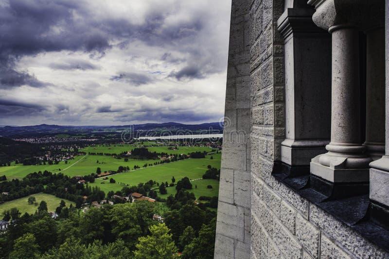 Ansichtform der Balkon des Neuschwanstein-Schlosses in Deutschland stockbilder