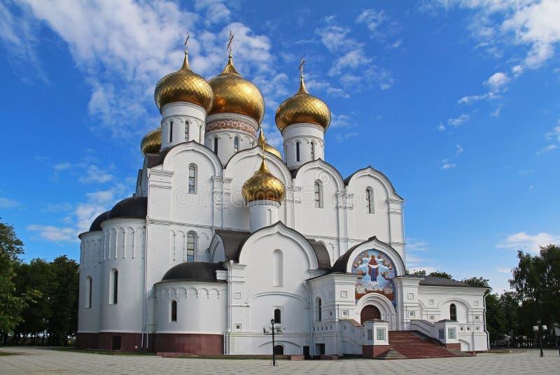 Antagandedomkyrka av den ryska ortodoxa kyrkan, Yaroslavl guld- cirkel russia arkivbilder
