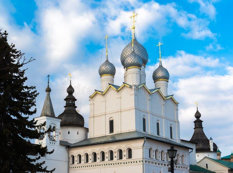 Antagandedomkyrka av Kreml i Rostov Veliky, Ryssland arkivfoton