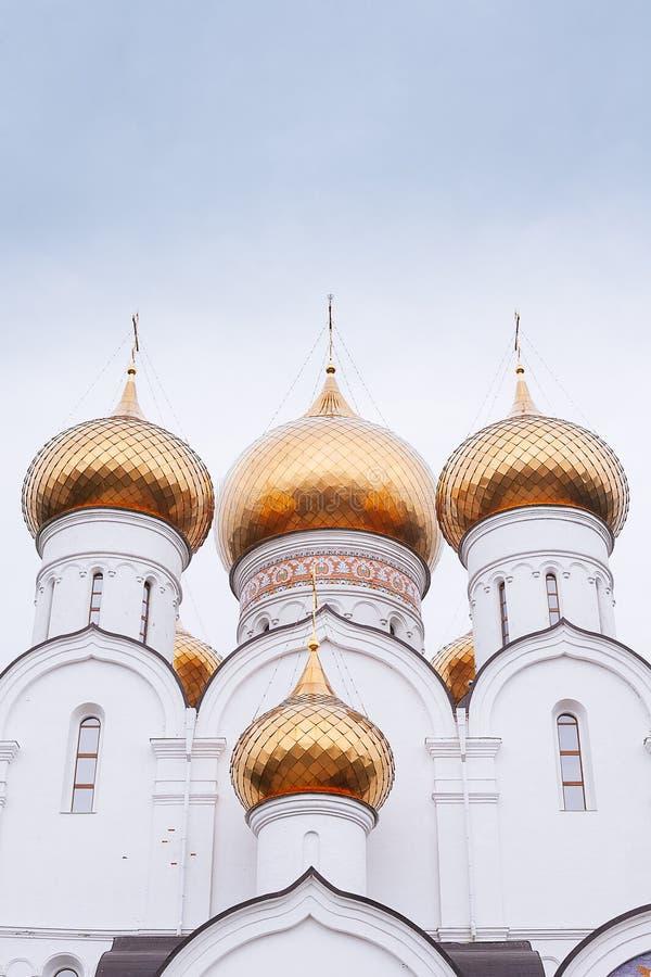AntagandeUspensky domkyrka i Yaroslavl guld- cirkel russia arkivfoton