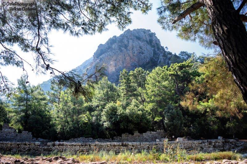 Antalya, Ansicht eines Berges stockbilder