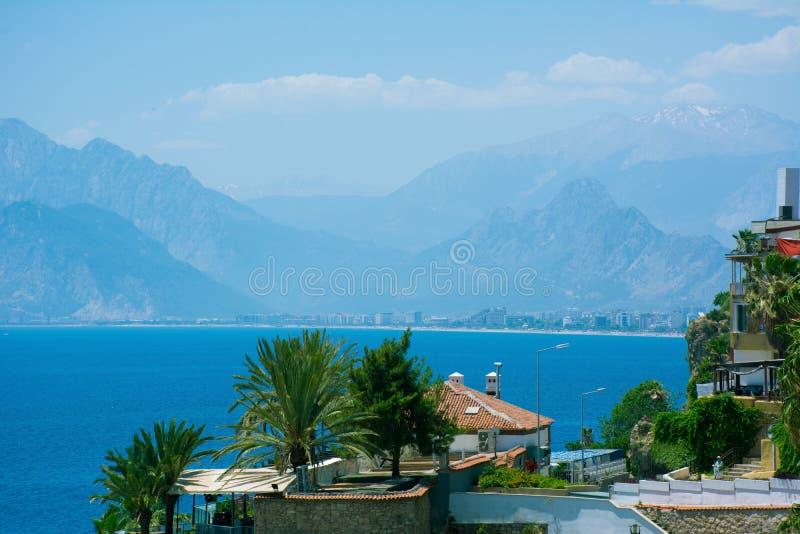 Antalya widok morze śródziemnomorskie Jaskrawy pogodny letni dzie? obraz royalty free