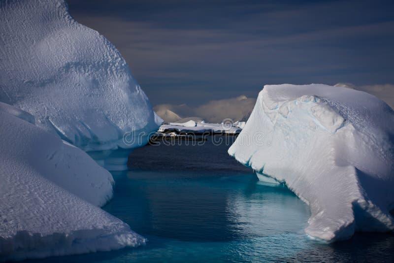 Download Antarctic Iceberg Royalty Free Stock Photos - Image: 16708768