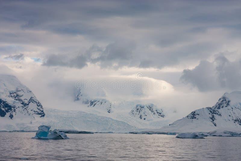 Antarctic landskap royaltyfria foton