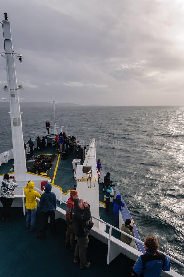 Antarctisch Expeditieschip die Falkland Islands benaderen royalty-vrije stock afbeelding