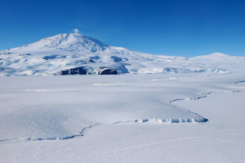 Antarctische vulkaan stock foto's