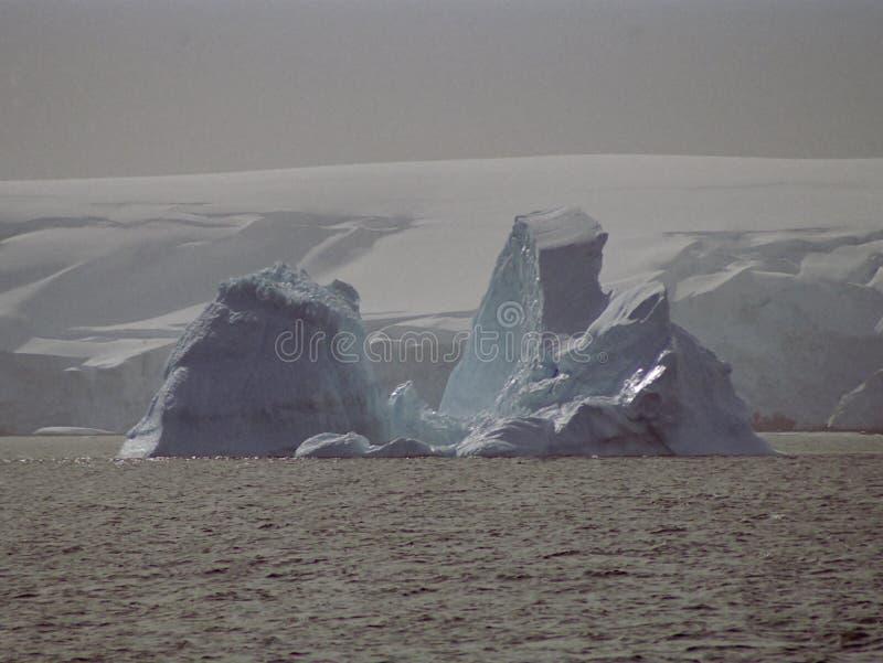 Antarktik-Eis Berg lizenzfreie stockfotos