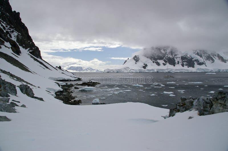 Antarktische Glazial- Landschaft stockfoto