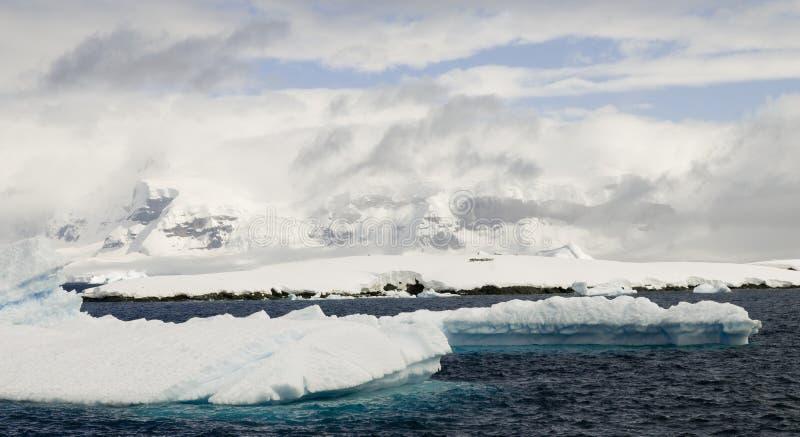 Antarktische Halbinsel-Landschaft lizenzfreie stockfotos