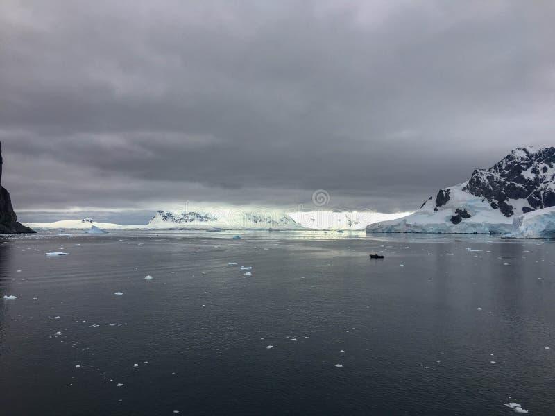 Antarktycznego krajobrazu - Antarctica półwysep fotografia royalty free