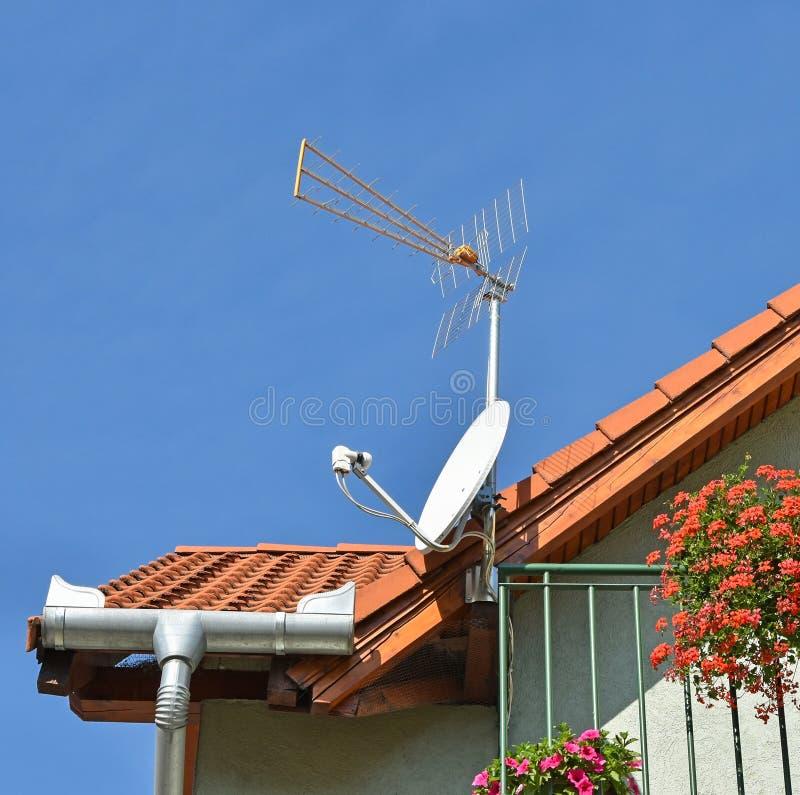 anten tła błękit dachu niebo obraz royalty free