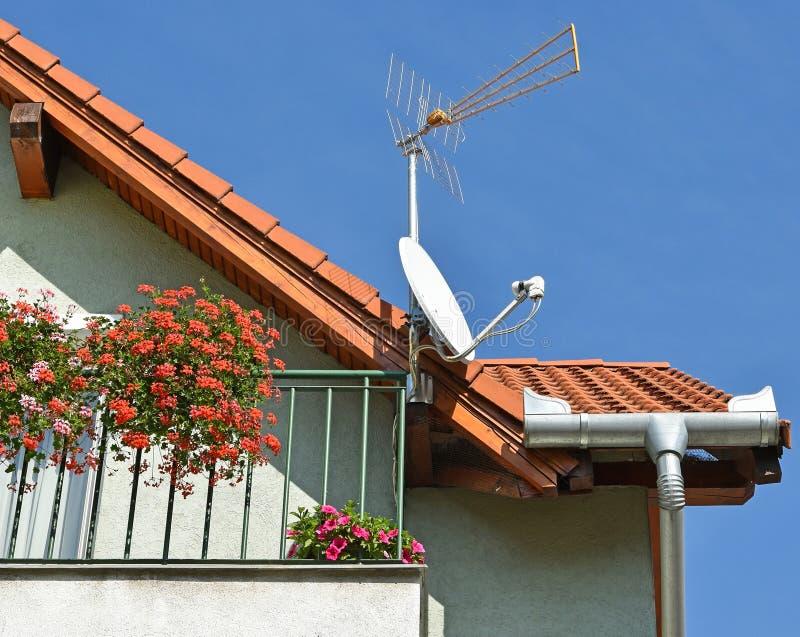 anten tła błękit dachu niebo fotografia stock