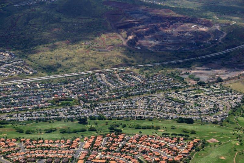 Antena autostrada, Kapolei stwarza ognisko domowe, pole golfowe i łup na Oa, zdjęcie stock