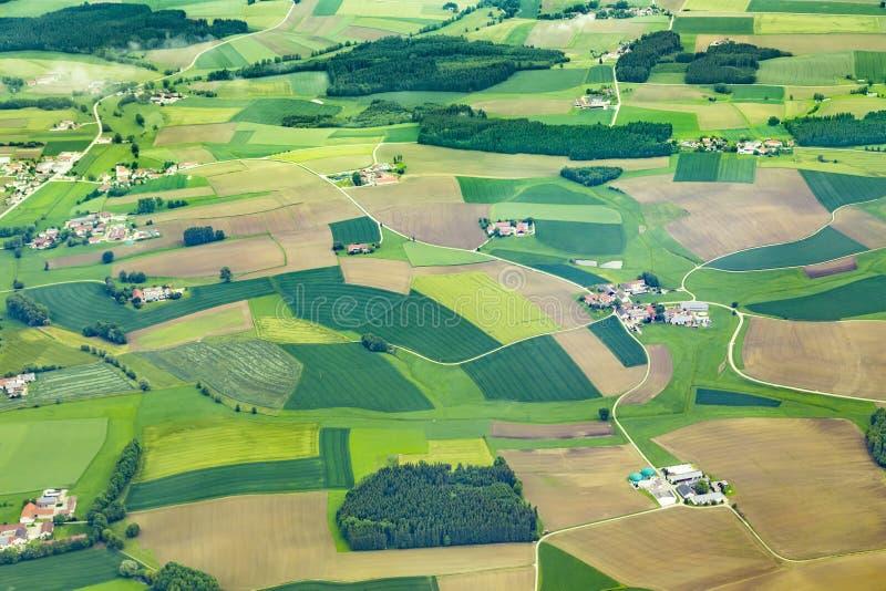 Antena da área rural perto do aeroporto Munich nos moos do erdinger imagem de stock