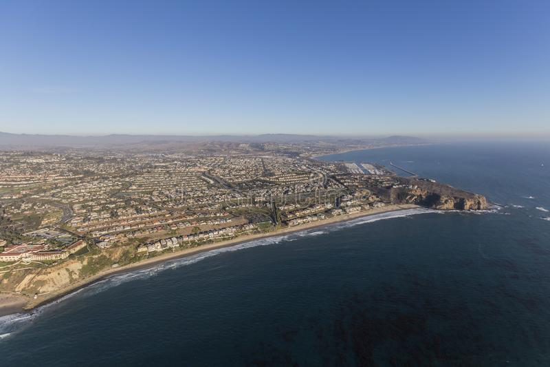 Antena da costa de Dana Point Orange County California imagem de stock