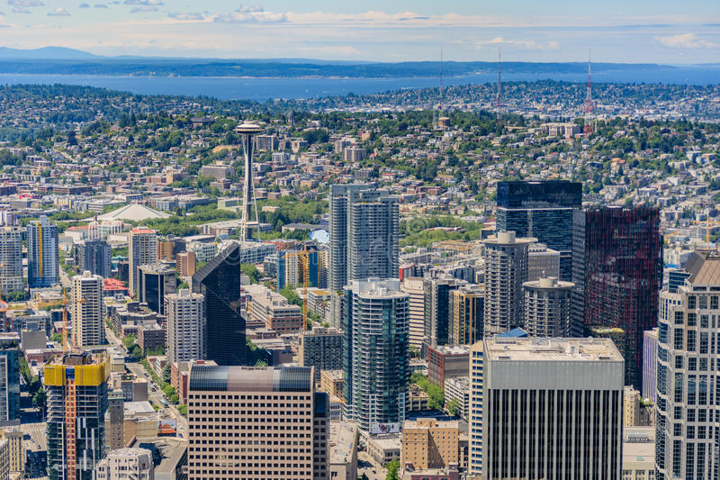 Antena da skyline de Seattle imagens de stock royalty free