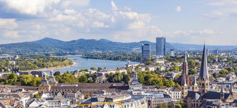 Antena de Bonn, la capita anterior de Alemania imagenes de archivo