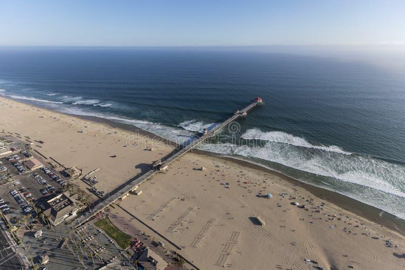 Antena do cais no Huntington Beach Califórnia imagem de stock