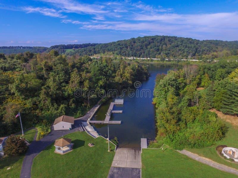 Antena do lago Redman em William Kain Park em Jacobus, Pennsylva fotos de stock royalty free