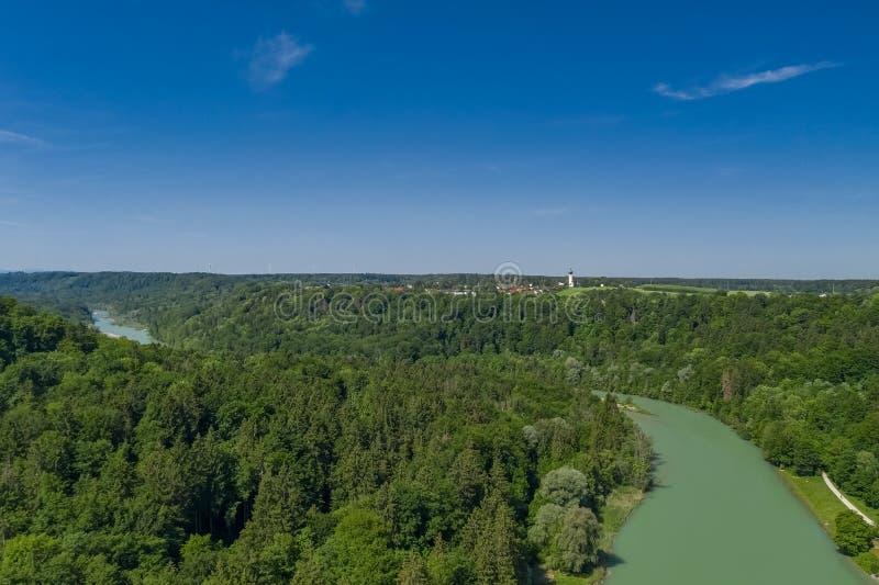Antena Isar rzeka w południe Monachium zdjęcie stock