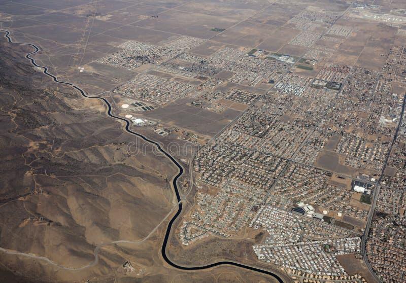 Kalifornia akweduktu Palmdale Kalifornia antena zdjęcia stock