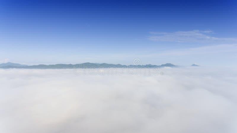 Antena krajobraz ranek mgła zdjęcie stock